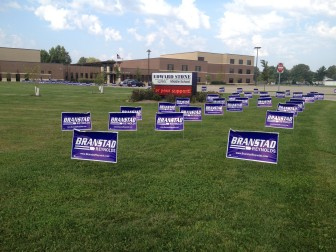 Republican campaigners for Iowa Gov. Terry Branstad got to the Sept. 20 gubernatorial debate in Burlington early and set up campaign signs. Campaigners for Democratic challenger Jack Hatch said his supporters attended a rally in Des Moines before arriving in Burlington for the one-hour debate.